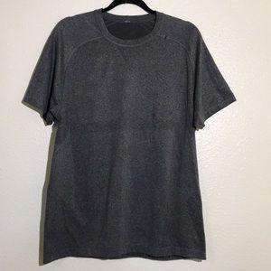 Lululemon men's Vent tech gray short sleeves L